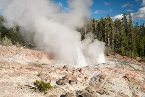 Steamboat Geyser - Yellowstone NP